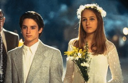"""Elijah Wood and Leelee Sobieski tie the knot in """"Deep Impact"""""""